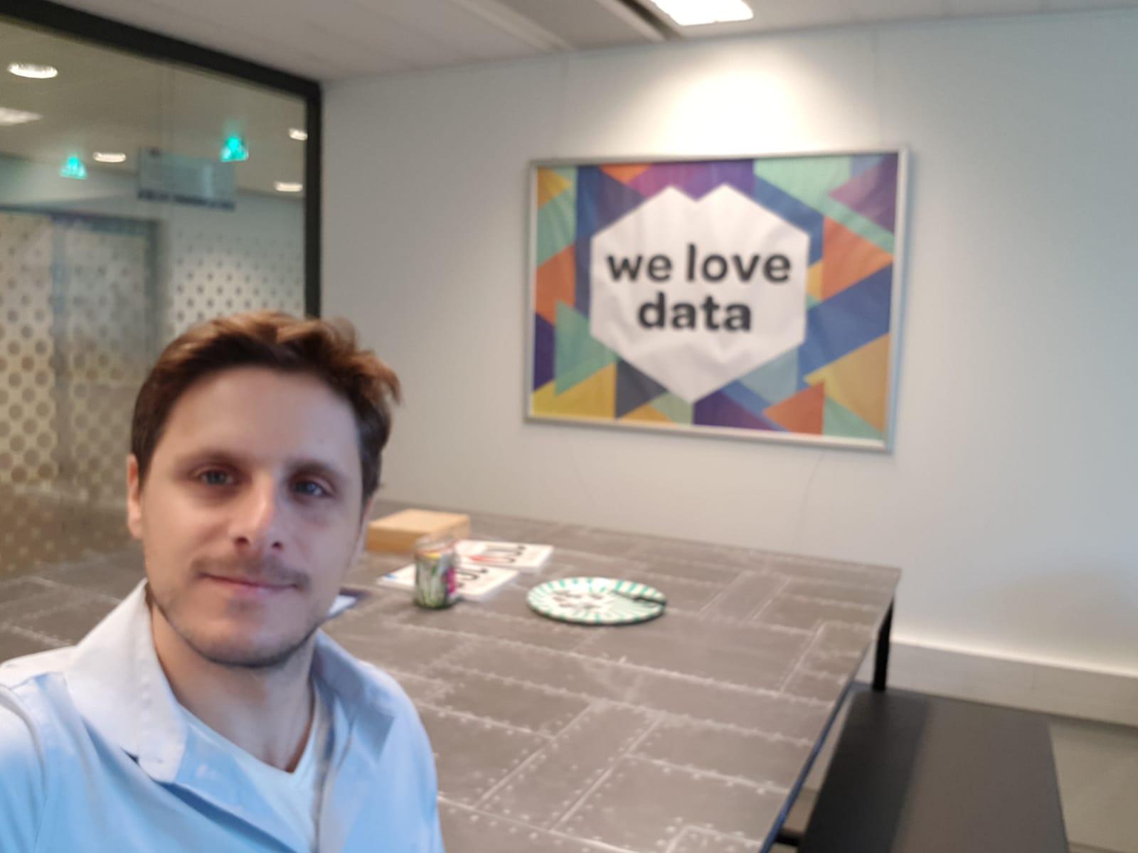 Or Lenchner - We Love Data - indoor selfie at Amsterdam University of Applied Sciences